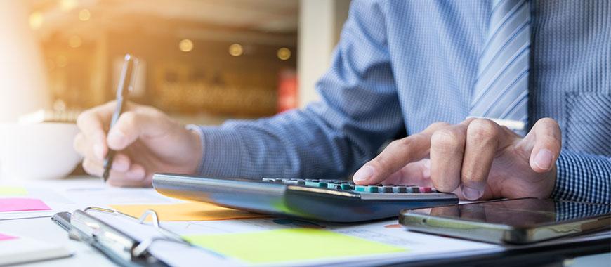 ¿Cómo emitir una factura de particular a empresa en un alquiler temporal?