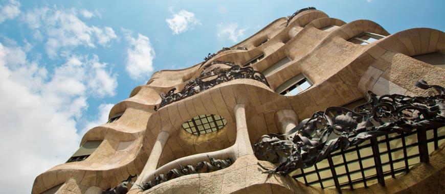 7. Casa Milá (La Pedrera) y Casa Batlló: Gaudí en estado puro